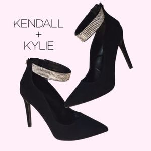 Kendall & Kylie Black Pumps with Glitter Strap